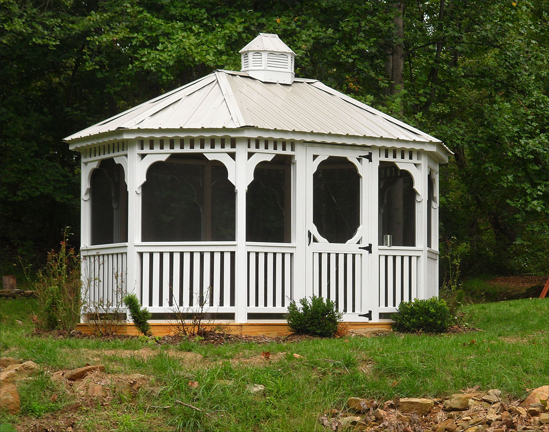 http://www.cedarstore.com/images/CustomerGallery/Zoom2/10x14-Treated-Pine-Oval-Gazebo-A.jpg